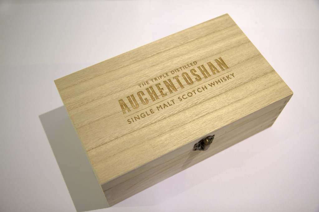 Wooden box image